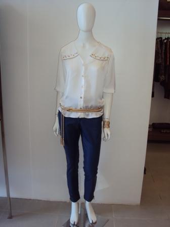 calça couro Shoulder e blusa Renata Campos